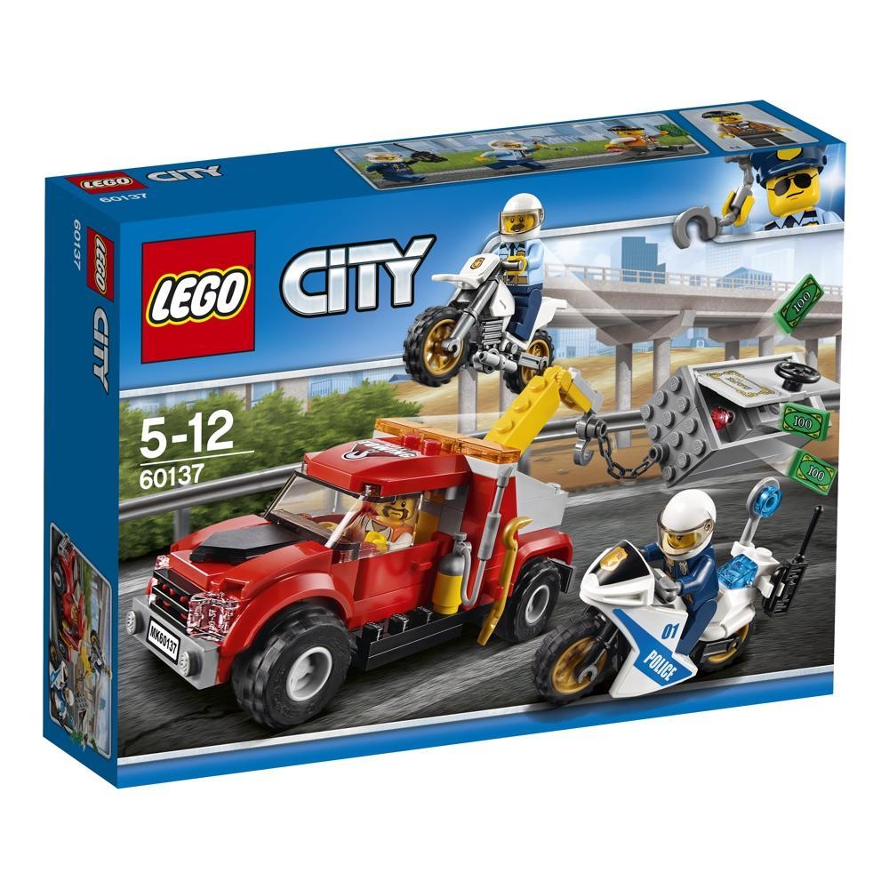 LEGO City 60137 Abschleppwagen auf Abwegen
